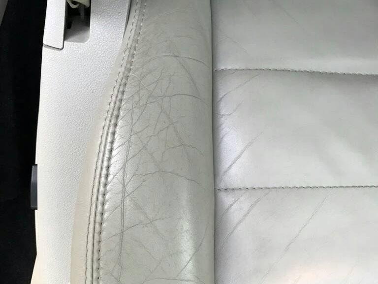 札幌・北広島にて車内装修理専門店 皮・合皮シートの劣化リペア